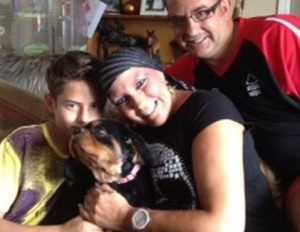 Cachorra detectou cancer de mama na dona