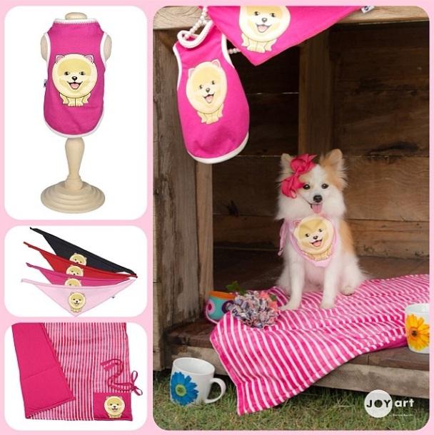 A cachorra Doll com produtos da coleção de Karina Bacchi. (Foto: Reprodução / Instagram)