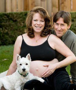 Acostumando o seu cachorro com a chegada do novo bebê. Foto: Reprodução