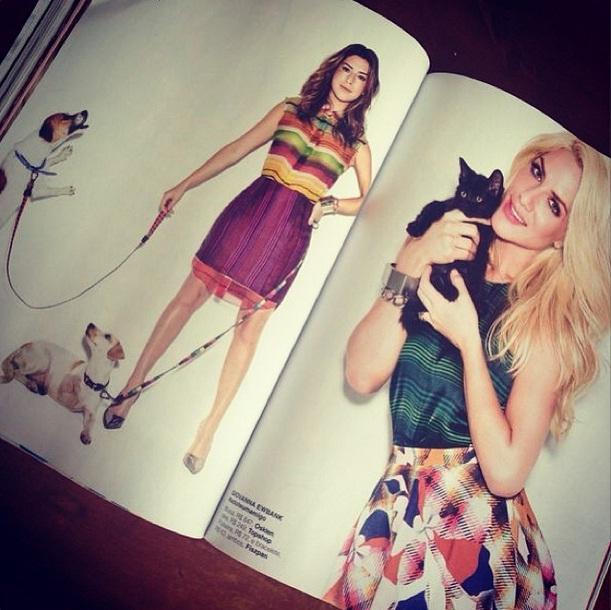 As atrizes Fernanda Paes Leme e Giovanna Ewbank incentivando a adoção de animais na revista Glamour. (Foto: Reprodução / Instagram)