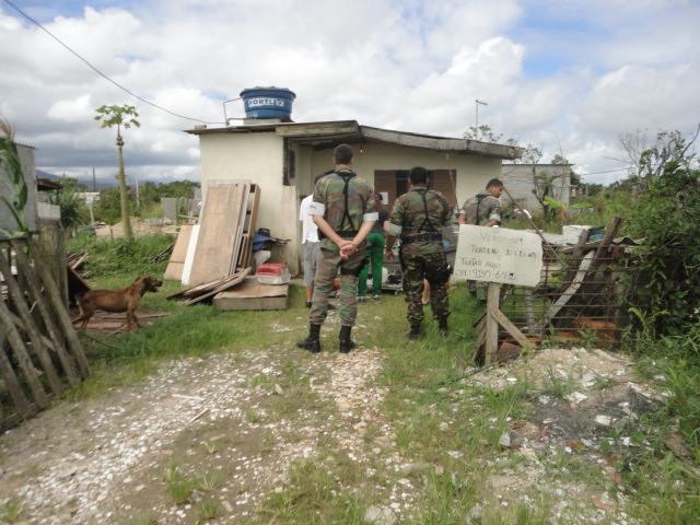 A OFA-PG recebeu o apoio da Polícia Civil e da Polícia Ambiental. (Foto: Reprodução / Facebook OFA-PG)