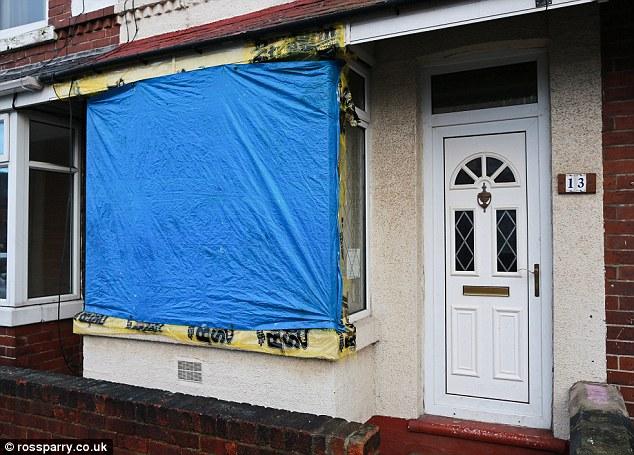 Os estragos causados pela explosão. (Foto: Reprodução / Daily Mail uk)