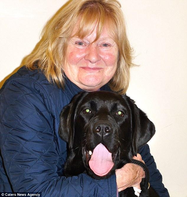 Gypsy com sua tutora Diana Harman. (Foto: Reprodução / Daily Mail uk)