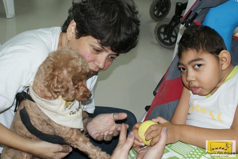 A Pet Terapia ajuda muitas instituições. (Foto: Divulgação)