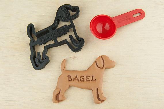 Cortador de biscoitos de beagle. (Foto: Divulgação / Etsy / NameThatCookie)