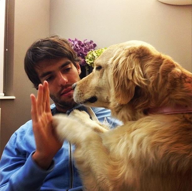 Kaká com a cachorra Mel. (Foto: Reprodução / Instagram)