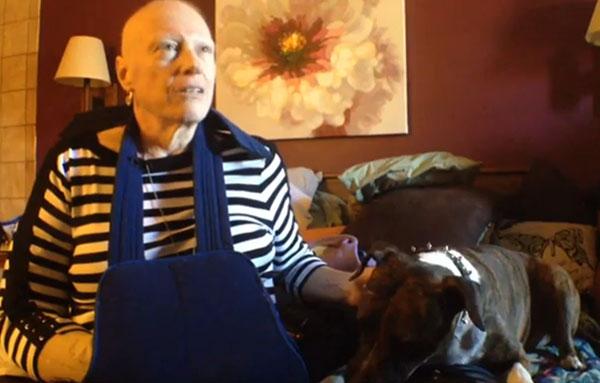 Patricia Cudd quer encontrar um novo lar para seu cão. (Foto: Reprodução / Coloradoan)
