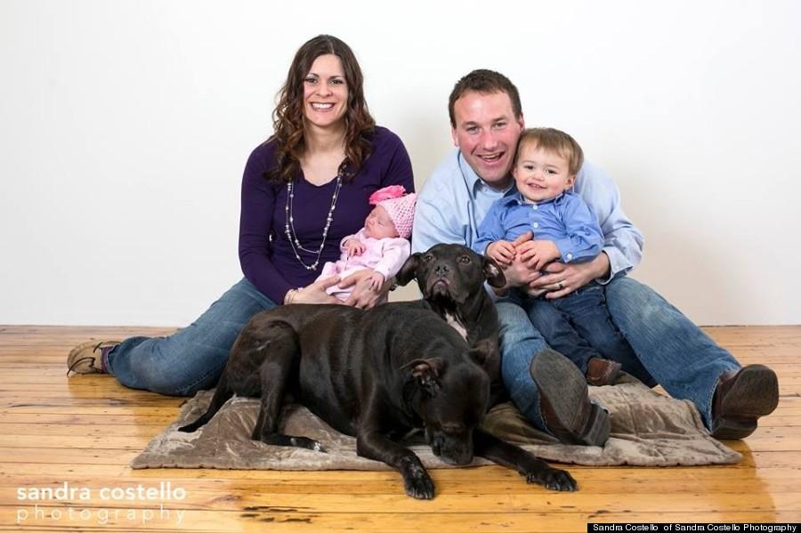 Cherry Garcia vive com os pais, duas crianças, outro cachorro e um gato. (Foto: Reprodução / Huffington Post)