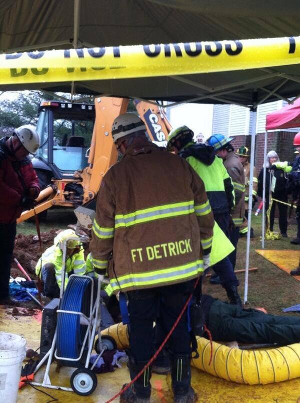 O resgate durou 7 horas. (Foto: Reprodução / Dogster)