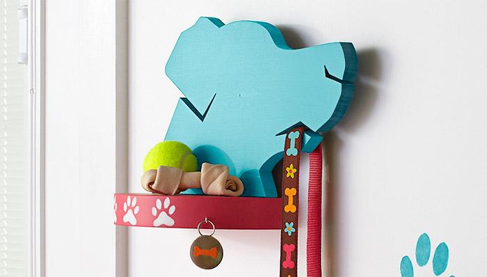 cachorro-guia-apoio-parede