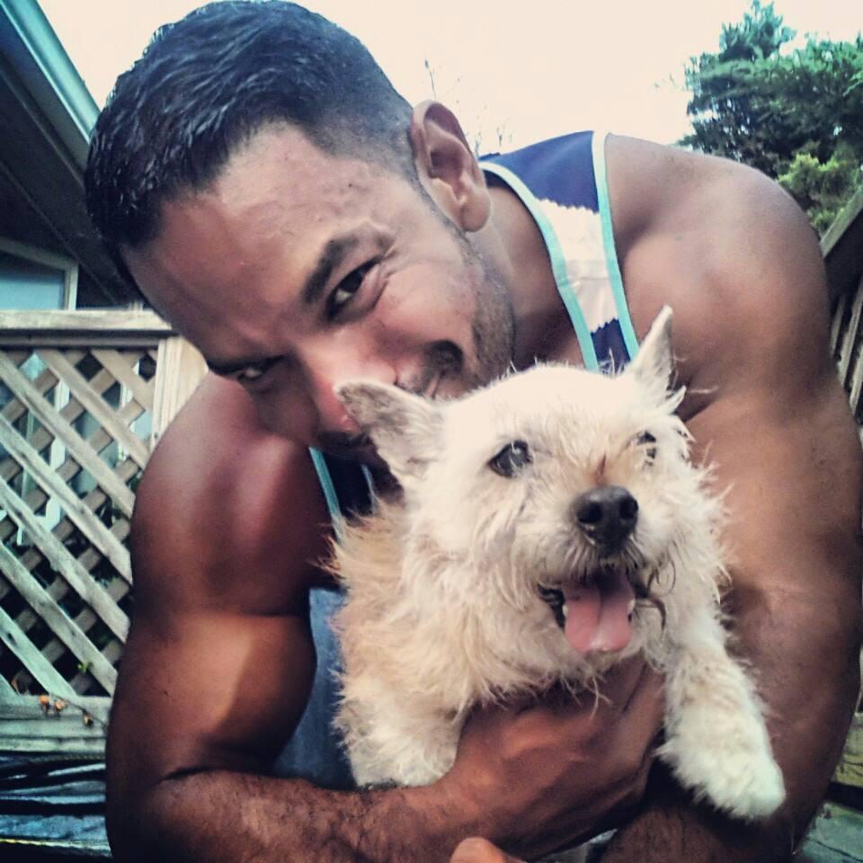 James Garcia descobriu que seu cachorro Elmo tinha pouco tempo de vida. (Foto: Reprodução / Buzzfeed)