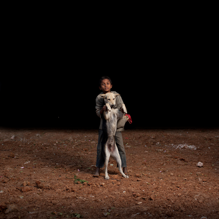 sam-edmonds-fotografo-cachorros-criancas-bangladesh-03