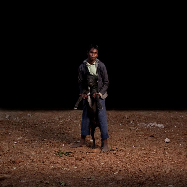 sam-edmonds-fotografo-cachorros-criancas-bangladesh-04