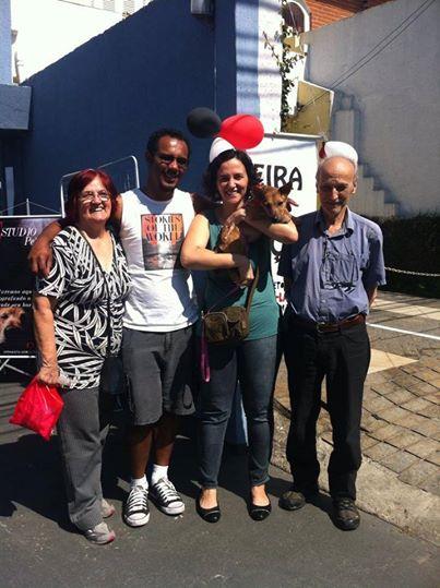 A cachorra Bidu foi a primeira a ser adotada. (Foto: Reprodução / Facebook / Projeto Vira-Latas com Raça)