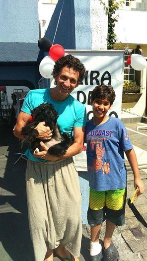 A cadela Petita também conseguiu um novo lar. (Foto: Reprodução / Facebook / Projeto Vira-Latas com Raça)