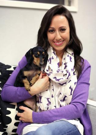Echarpe com estampa de dachshund. (Foto: Reprodução / Amazon)