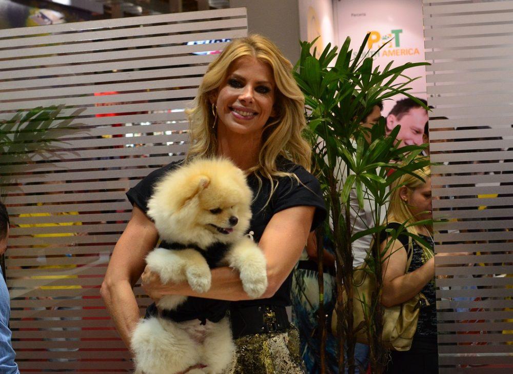 Karina e seu lulu da pomerânia na Pet South America 2014. (Foto: Fabricio Ladeira)