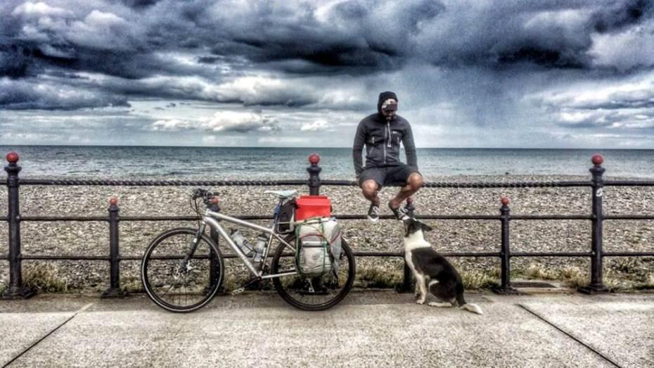 Joshua Sivarajah e seu cachorro Nero se aventuraram pelo Reino Unido. (Foto: Reprodução / Metro UK)