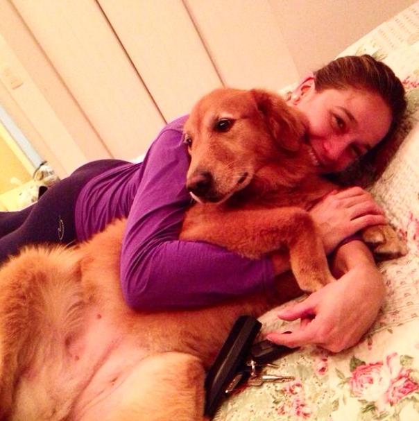 A Nala sempre consegue um lugarzinho na cama.