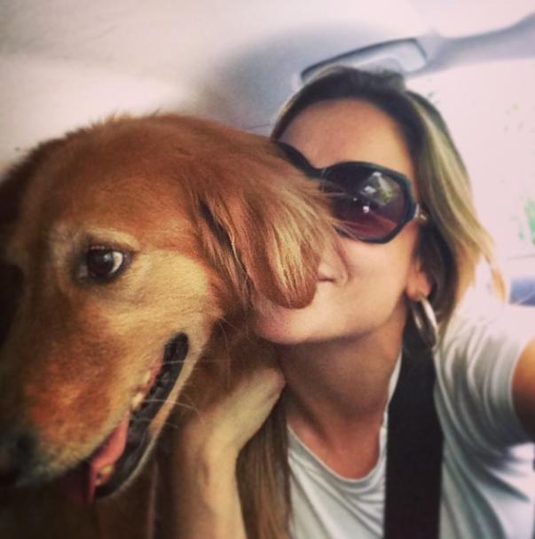 Passeando de carro. (Foto: Reprodução / Instagram)