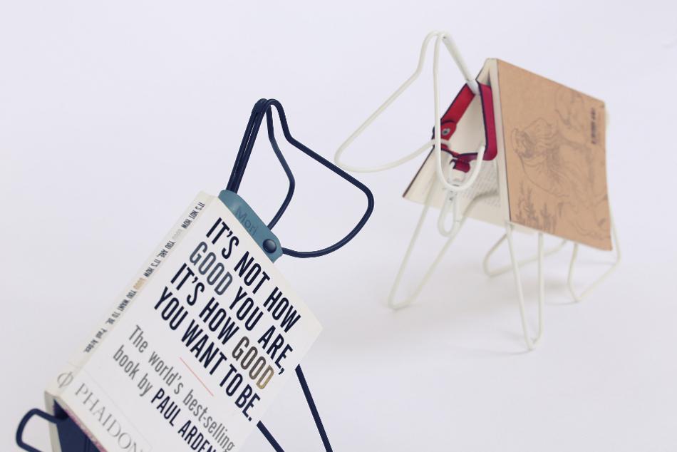 Suporte de livros em formato de cachorro. (Foto: Divulgação / Home Candy)