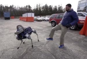 Cachorro robótico conquistou muitos fãs. (Foto: Reprodução / Youtube)