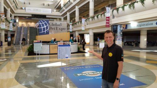 Alexandre Rossi na Global Pet Expo, nos Estados Unidos. (Foto: Divulgação)