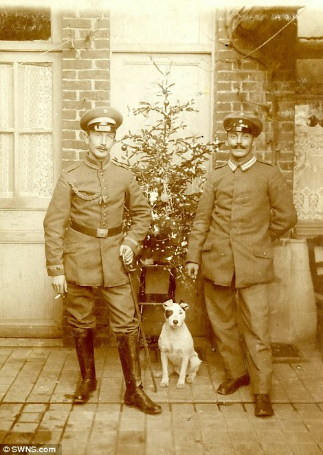 Na França, no natal de 1916. (Foto: Reprodução / Daily Mail UK)