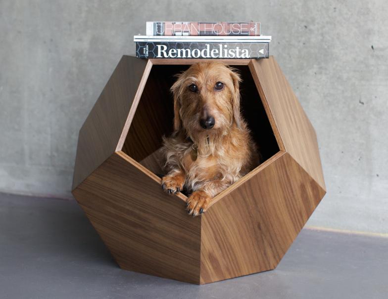 Casinha de cachorro e mesa de canto ao mesmo tempo. (Foto: Reprodução / Pup & Kit)
