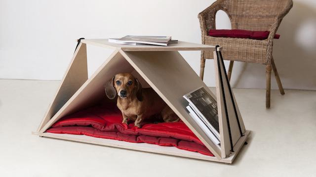 Mesa de centro e caminha de cachorro. (Foto: Divulgação)