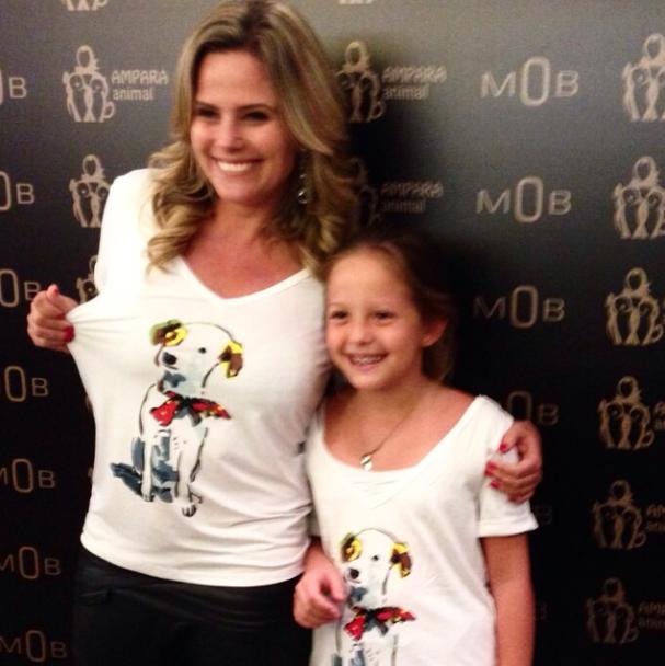 Maria Cândida e sua filha Lara no coquetel da Mob e Ampara Animal. Foto: Reprodução / Instagram)