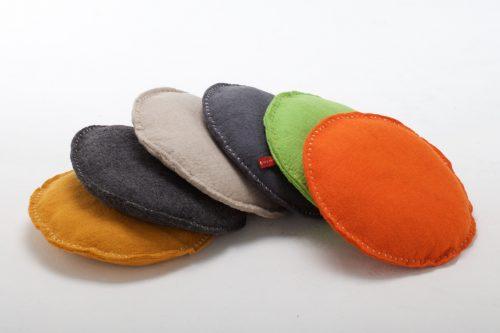 Várias opções de cores. Caminha em formato de cesto. (Foto: Reprodução / Sasha & Me)