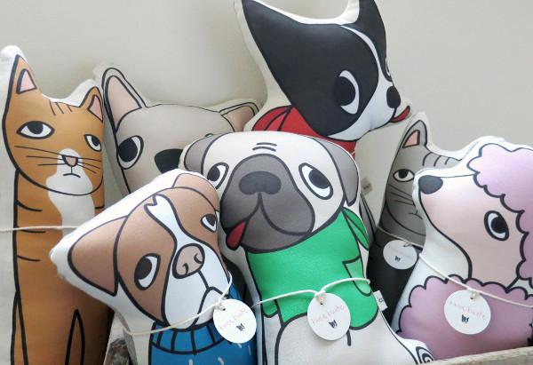 Cães e gatos recebem uma bela homenagem de seus tutores. (Foto: Reprodução / Dog Milk)