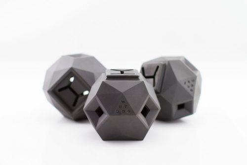 The Odin é um brinquedo geométrico que estimula o cérebro dos cães. (Foto: Reprodução / Dog Milk)