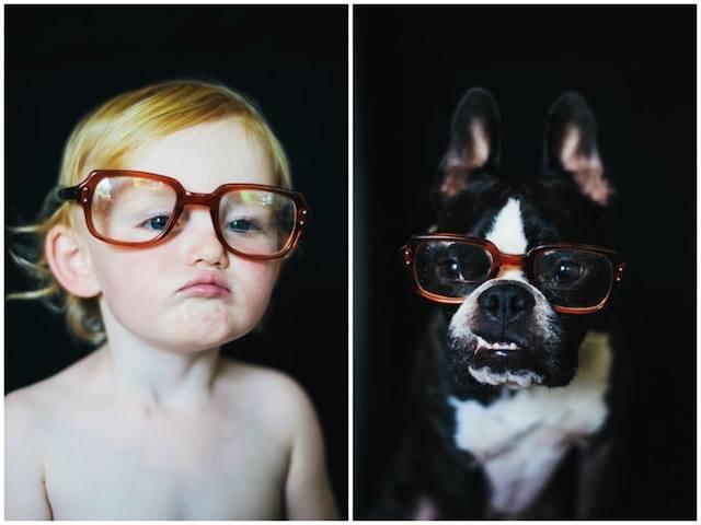 Os dois ficaram estilosos com esses óculos. (Foto: Reprodução / Bored Panda / Jesse Holland)