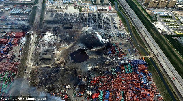 Local destruído por causa das explosões.