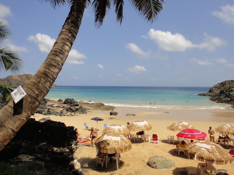 Praia do Cachorro, de Fernando de Noronha. (Foto: Karina Sakita)