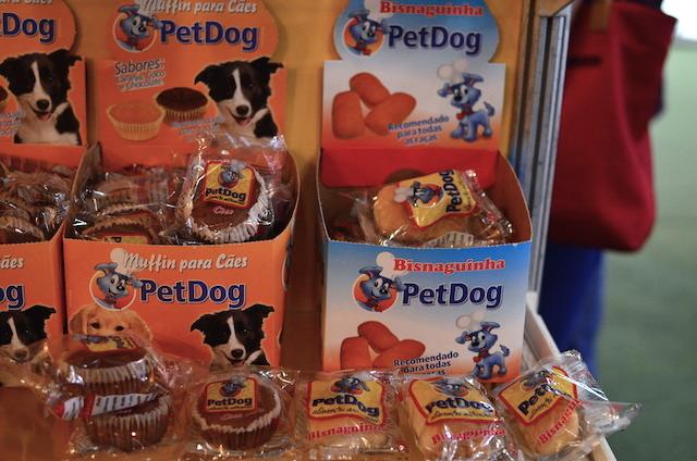 Muffins e bisnaguinhas para cães. (Foto: Karina Sakita)