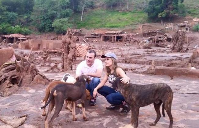 Luisa Mell na cidade de Mariana. (Foto: Reprodução / Facebook / Luisa Mell)
