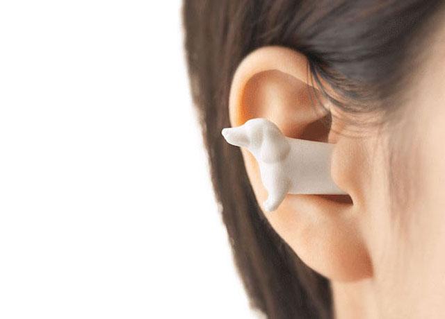 Que tal um protetor de ouvido no formato de um cão? (Foto: Reprodução / Bored Panda)