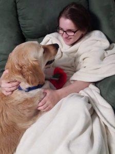 Além de cão de serviço, Lacey se tornou melhor amiga e grande companheira de Erin. (Foto: Reprodução / Facebook Life With Lacey)