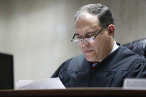 """O Juiz responsável pelo caso disse que Barnes mostrou-se """"indiferente e insensível"""" em relação ao cão e que ela tem um """"problema de raiva que precisa ser resolvido"""". (Foto: Reprodução / Patti Sapone / NJ Advance Media)"""