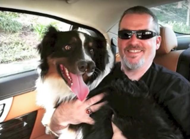 O cão indo para ser novo lar. (Foto: Reprodução / Youtube / Venice Beach Freakshow)