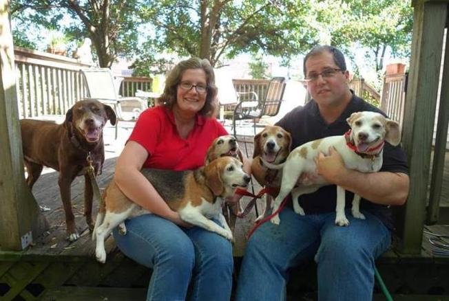 Kale Chips com sua família. (Foto: Reprodução / Facebook / One Tail at a Time)