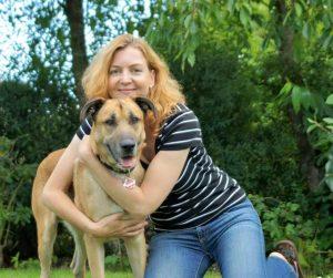 Depois de algum tempo vivendo um amor à distância, Olivia finalmente adotou Rubio e o levou para a Alemanha. (Foto: Reprodução / Mascotas Puerto Madero Adopciones Responsables)