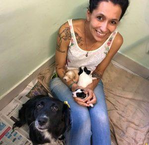 Balboa foi resgatado recém-nascido junto com dois irmão e sua mamãe. (Foto: Reprodução / Camila Teixeira Barros)