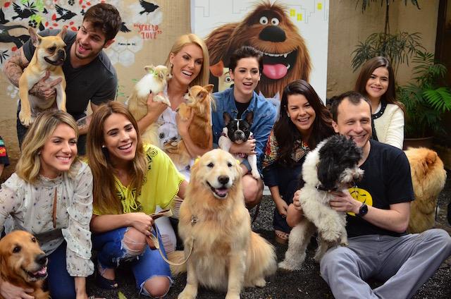 """Celebridades no evento do filme """"Pets - A Vida Secreta dos Bichos""""."""