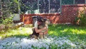 Com a ajuda de amigos, Ashley pôde cumprir sua promessa e Spunky conseguiu ver neve mais uma vez. (Foto: Reprodução / Ashley Niels)