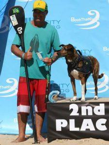 Parafina se deu muito bem em sua estreia na competição. (Foto: Divulgação / Surf City Surf Dog)