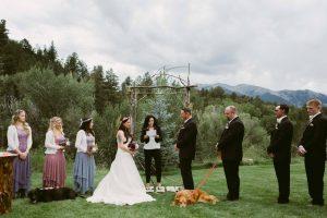 Tudo o que Kelly mais queria era ter a presença de seu melhor amigo no dia do seu casamento. (Foto: Reprodução / Jen Dziuvenis Photography)